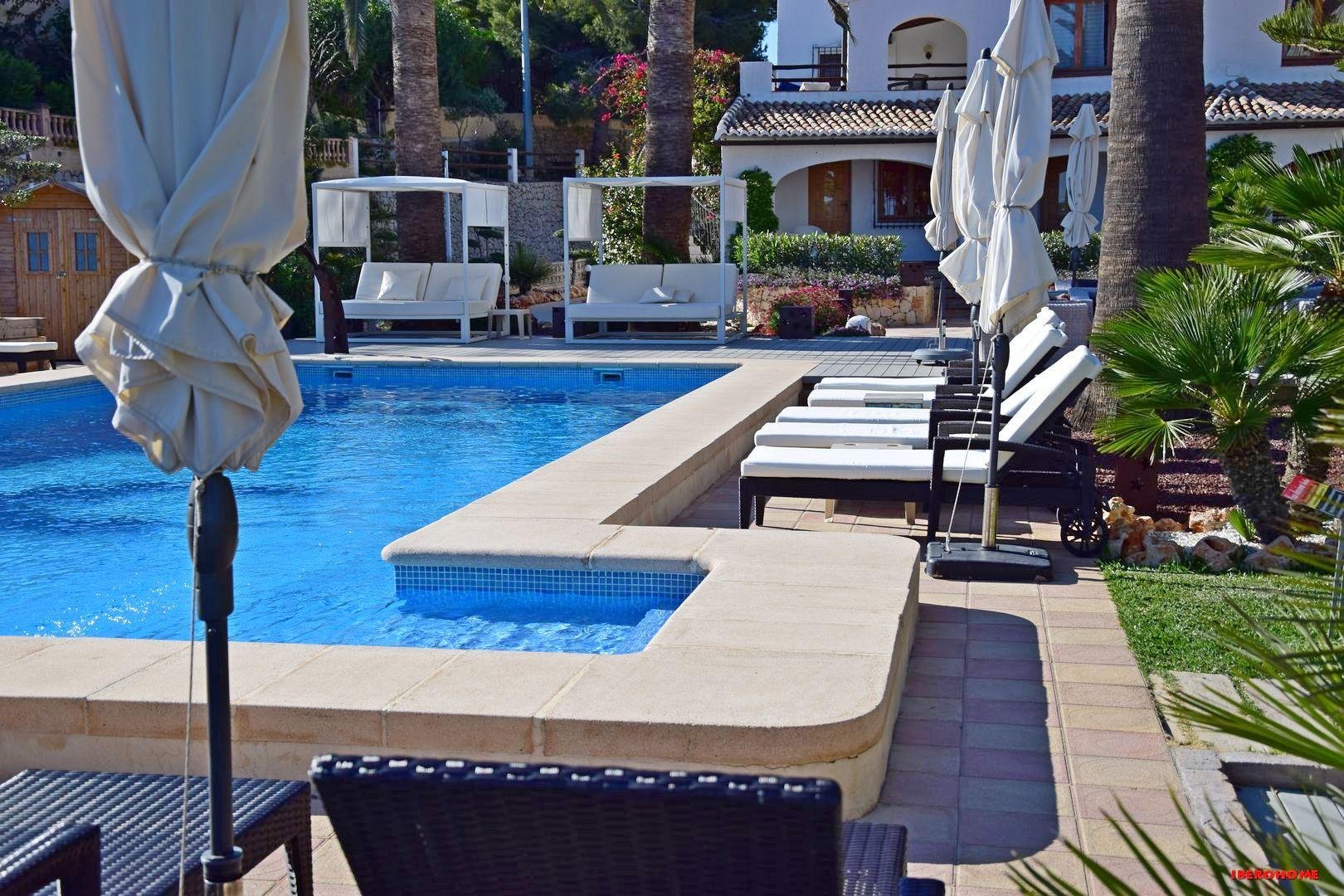 Swimming Pool Hotel Casa Marina Suites